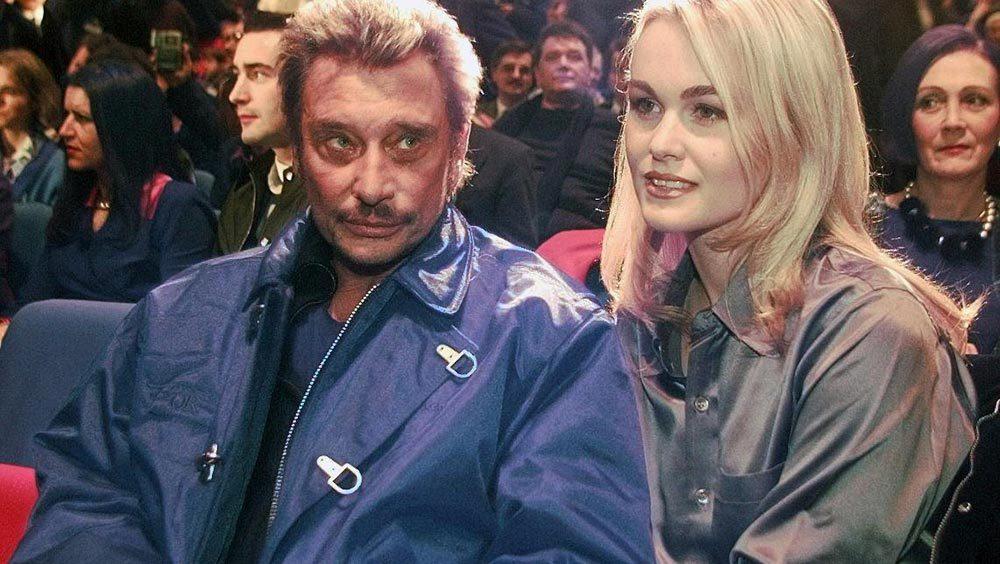 Le jour de Jean-Claude Jitrois, Laetica demande de l'aide à Johnny